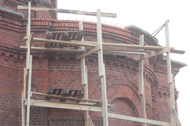 Восстановление кладки в завершении алтарной части