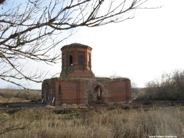 Завершена расчистка территории храма