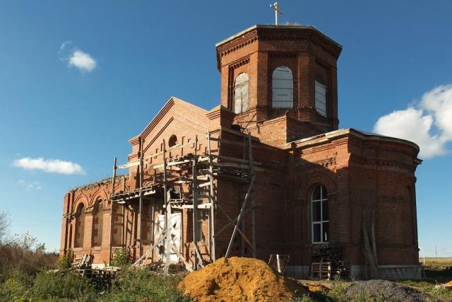 Восстановлен южный фронтон храма